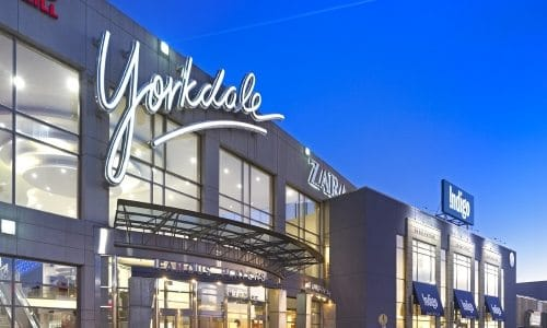 Best Malls Toronto | Toronto Malls and Shopping Centers