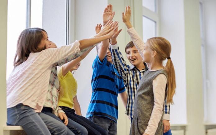 Best Ways to Help Your Kids Make Friends