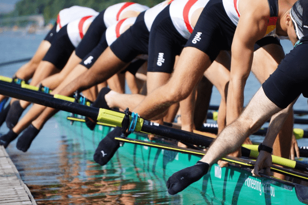 Rowing or dominating