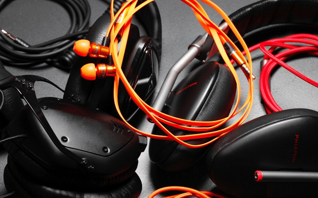 Different Kinds of Headphones and Best Headphone Brands
